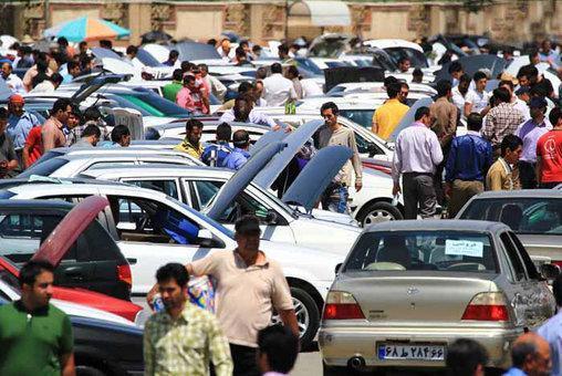 خرید و فروش خودرو تقریبا به صفر رسیده است