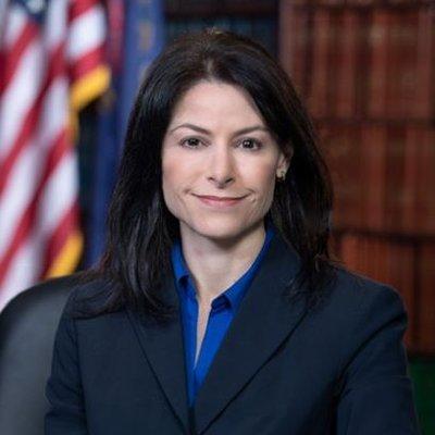 هشدار خانم دادستان آمریکایی برای ماسک نزدن ترامپ