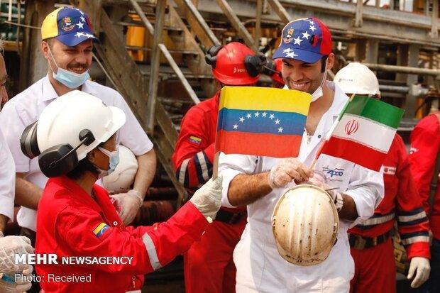 سومین نفتکش ایرانی وارد آب های ونزوئلا شد