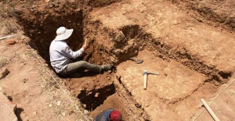 شروع عملیات حدس و لایه نگاری تپه باستانی قزل قلعه فراهان