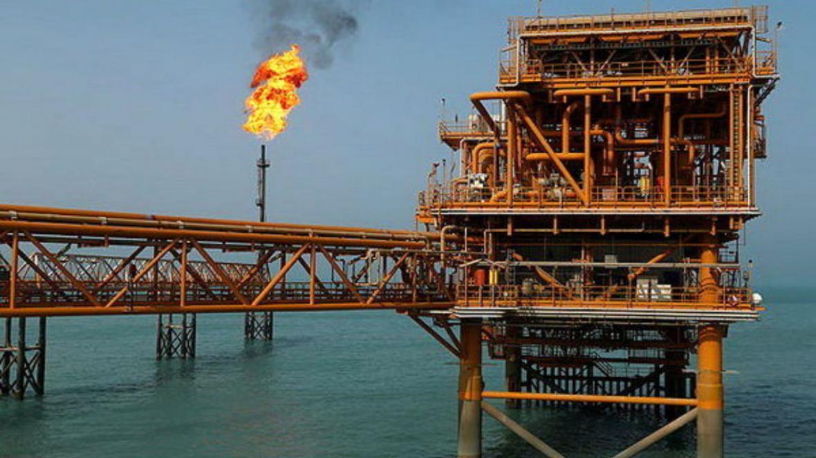 ذخایر نفت خام آمریکا کاهش یافت
