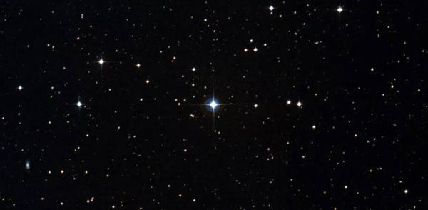 تصویر تلسکوپ ناسا از یک سامانه سه ستاره ای