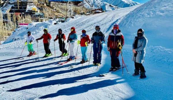 خبرنگاران اردوی تیم ملی اسکی آلپاین بانوان در سپیدان فارس برگزار می گردد