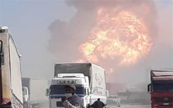 سیم های شبکه برق بین ایران و افغانستان در انفجار اسلام قلعه آسیب دیده است