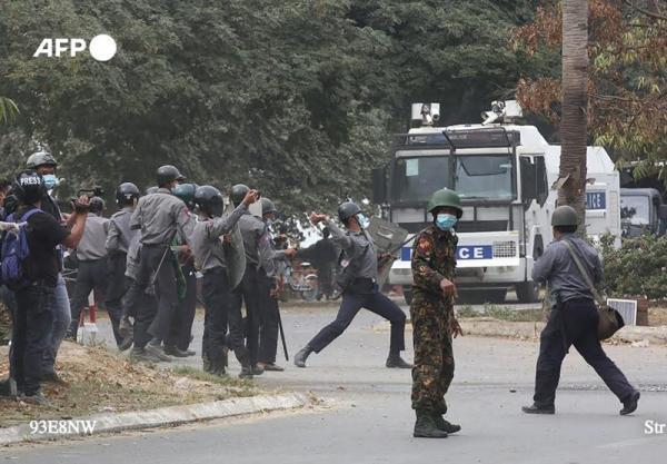 کشته شدن 12 نفر دیگر در اعتراضات میانمار