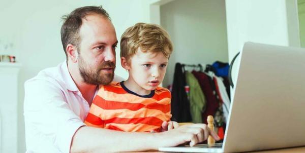 تماشایی های دردسرآفرین، هر محتوایی را نباید به فرزندمان نشان دهیم