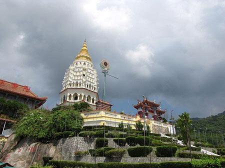 معبد زیبای کک لوک سی مالزی